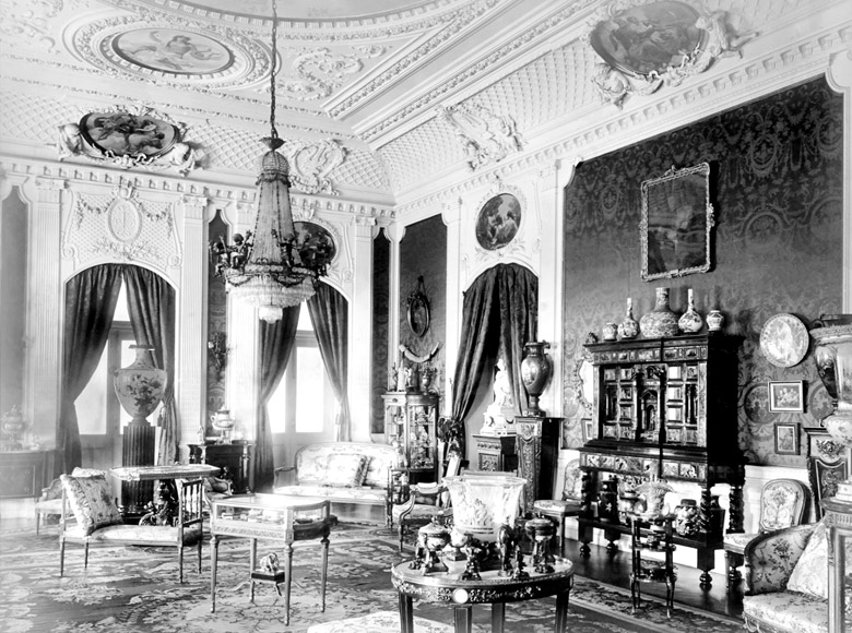Louis vi drawing room